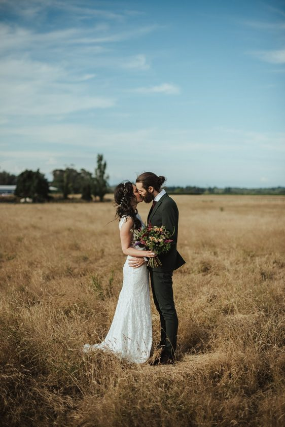Tash & Matt - Red Barrel Winery, Hawke's Bay Wedding | www.meredithlord.com