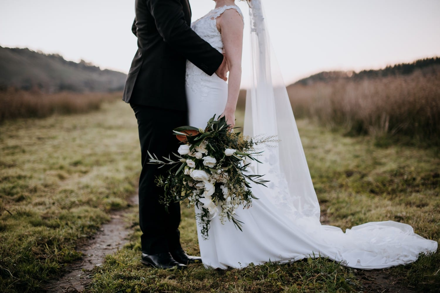 Kirsty & Brendon - Black Barn River Rooms, Hawke's Bay, Wedding | www.meredithlord.com